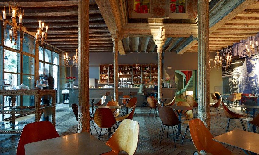 Ocaña bar, restaurant and night club, Barcelona